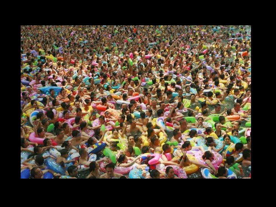 A tokyói Water Park, ahol ez olvasható … Isten hozott a tókiói Water Park-ba ahol lemoshatod a túl zsúfolt város streszét, ahol barátaiddal lazíthatsz, napozhatsz és zavartalanul fürödhetsz.