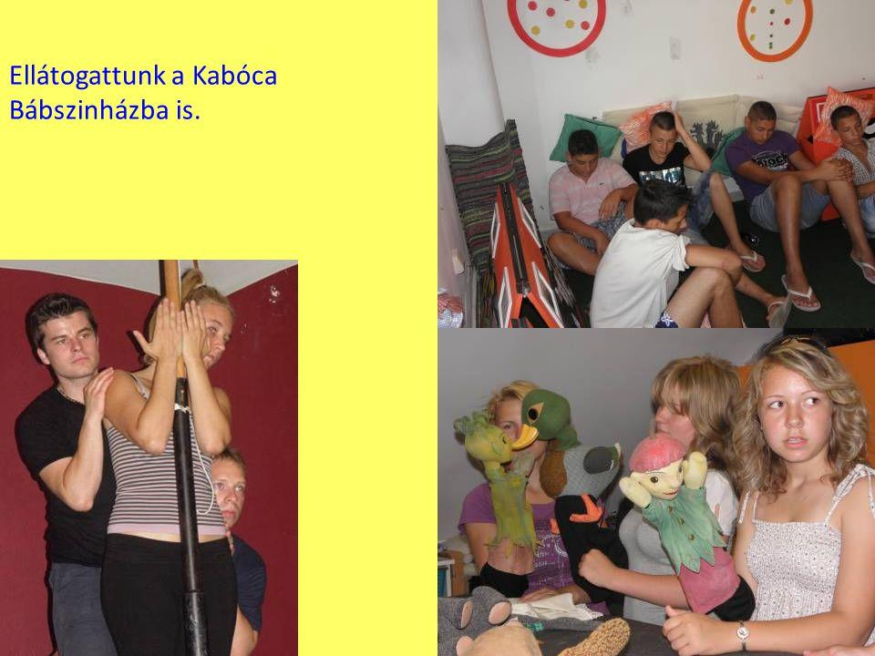 Ellátogattunk a Kabóca Bábszinházba is.