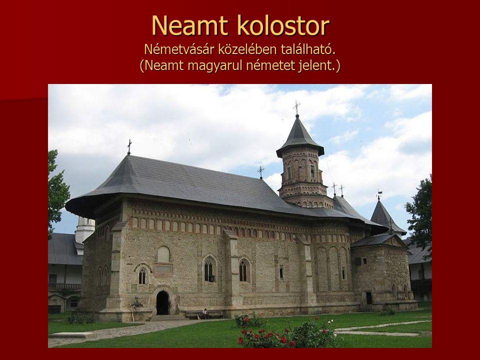 Sucevitai kolostor Moldva szerzetesi építészetének érett példája.