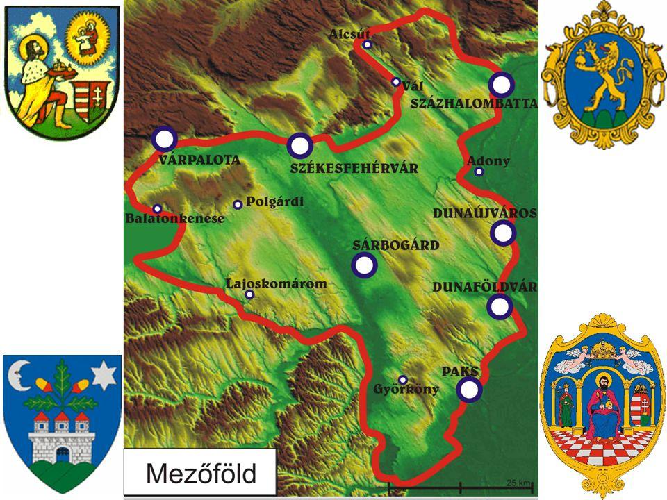 Általánosságok A Mezőföld magyarországi tájegység a Sárvíz és a Duna által határolt területen, Tolna és Fejér megye területén, ám átnyúlik Pest és Veszprém megyébe is.