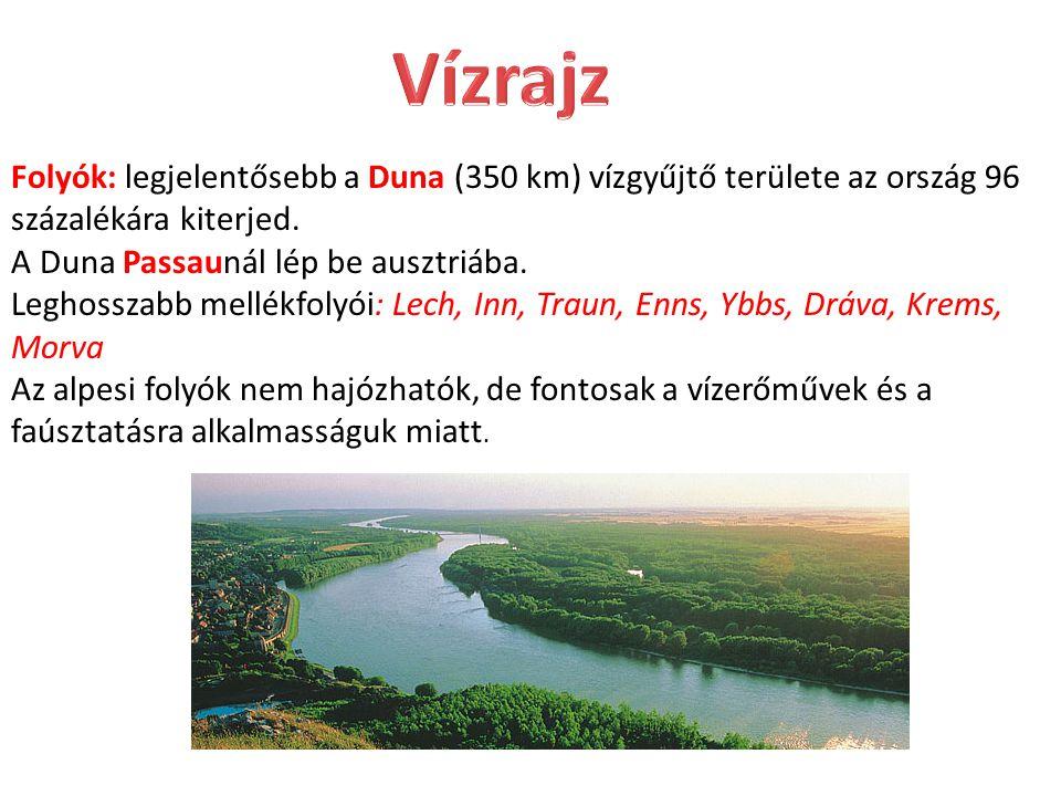 Folyók: legjelentősebb a Duna (350 km) vízgyűjtő területe az ország 96 százalékára kiterjed. A Duna Passaunál lép be ausztriába. Leghosszabb mellékfol