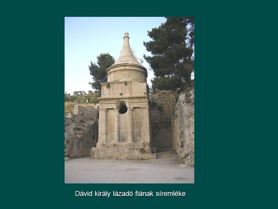 Dávid király lázadó fiának síremléke