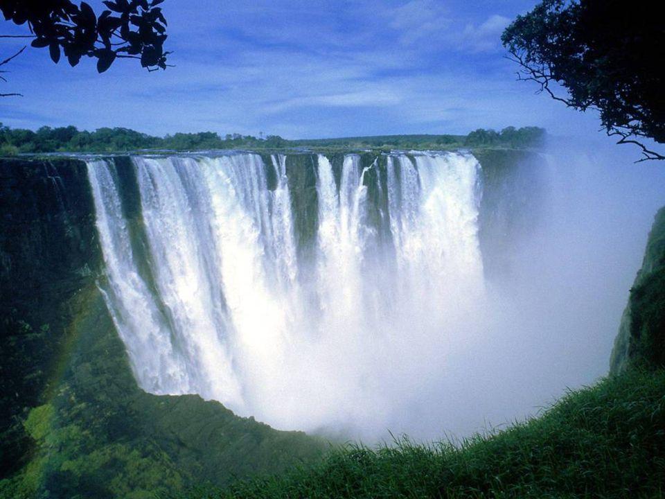 Zimbabwe-ban, Afrikában található a csodálatos, 128 méter magas Viktória-vízesés.
