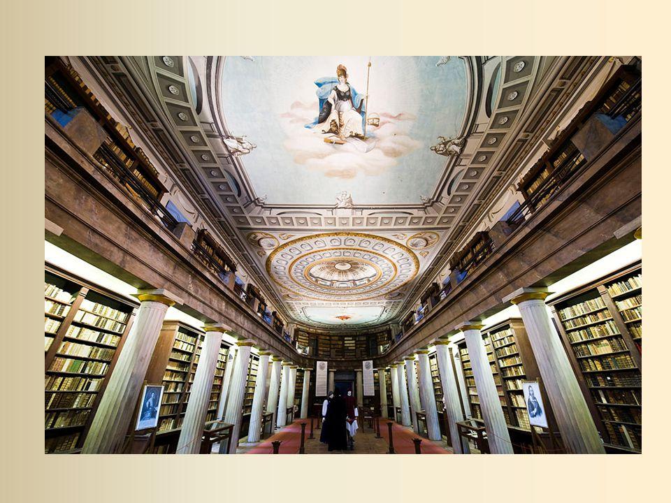 -1850 körül 20.000 mű -1800 - as évek végén 40.000 mű - Erdélyi János könyvtárnoksága alatt indult be a hazai és a külföldi folyóiratok nagyobb méretű beszerzése ( 1868-ban 13 folyóirat és hírlap, 1878-ban 33, a századfordulón már 46 folyóirat és hírlap) -1920 - 60.829 könyvtári és 2.000 kézirattári egység - a kézirattár önálló gyűjteménnyé szervezése és feldolgozása (1910 – 1913) Harsányi István könyvtáros nevéhez fűződik 1945 – 77.421 kötetben 104.156 mű