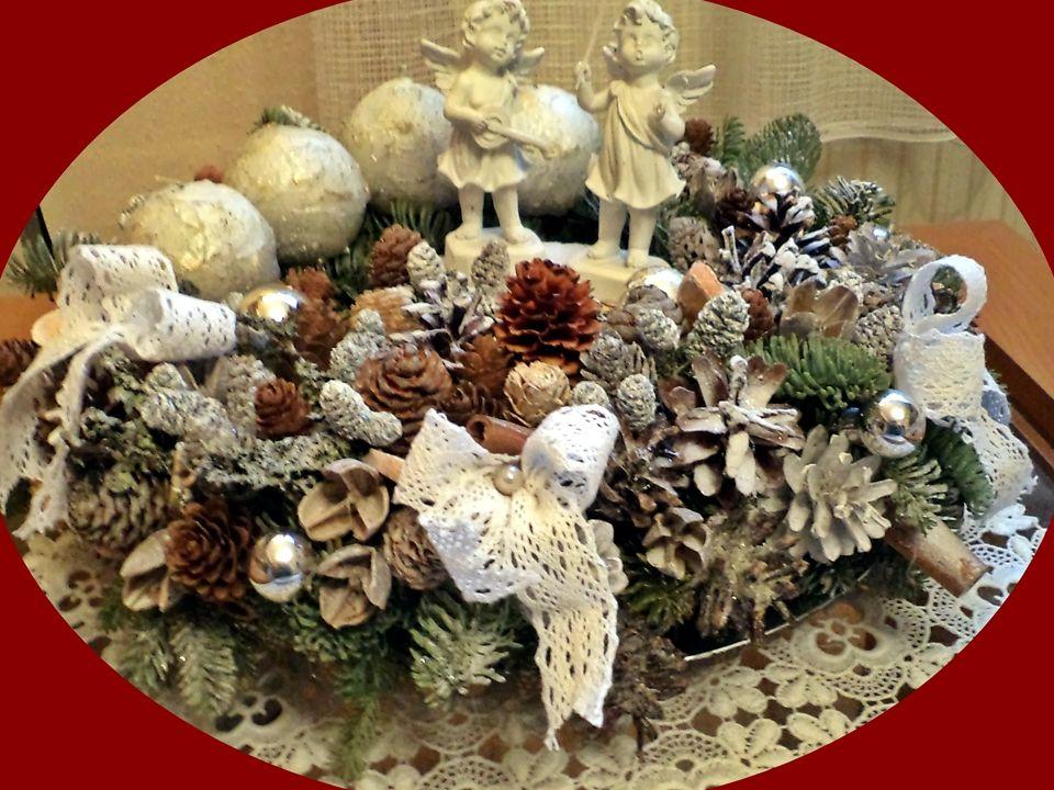 A Karácsonyfa legendája szerint Luther Márton a téli erdőben sé- tált és gyönyörködött a csodaszép fe- nyőkben, annyira megragadta a nagy vallástudóst a látvány, hogy hazatérve el akarta mesélni, amit látott.