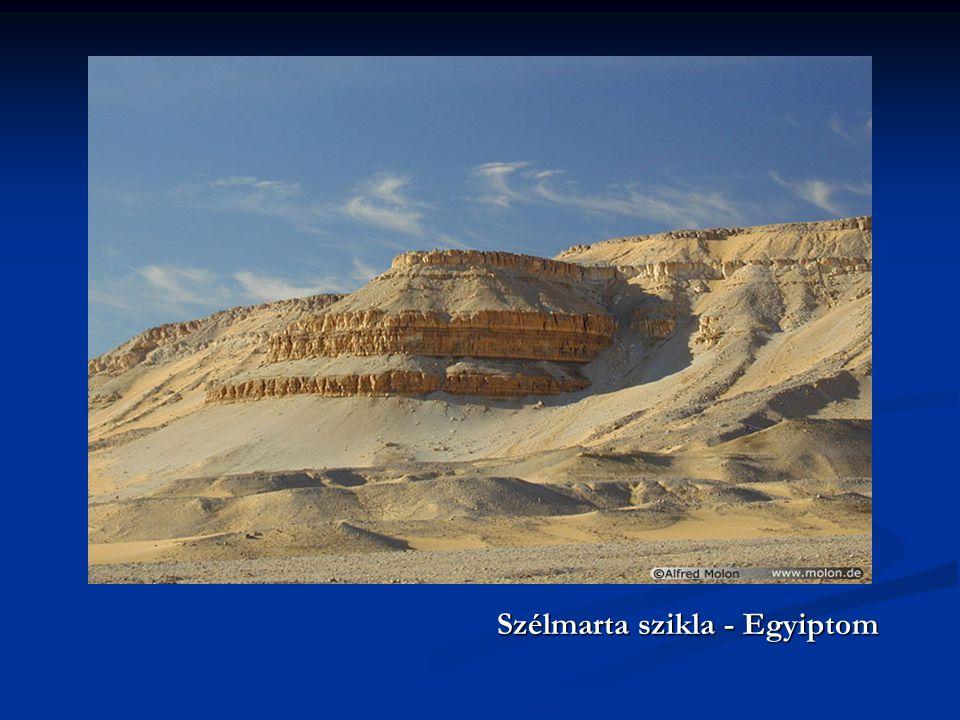 Szélmarta szikla - Egyiptom Szélmarta szikla - Egyiptom