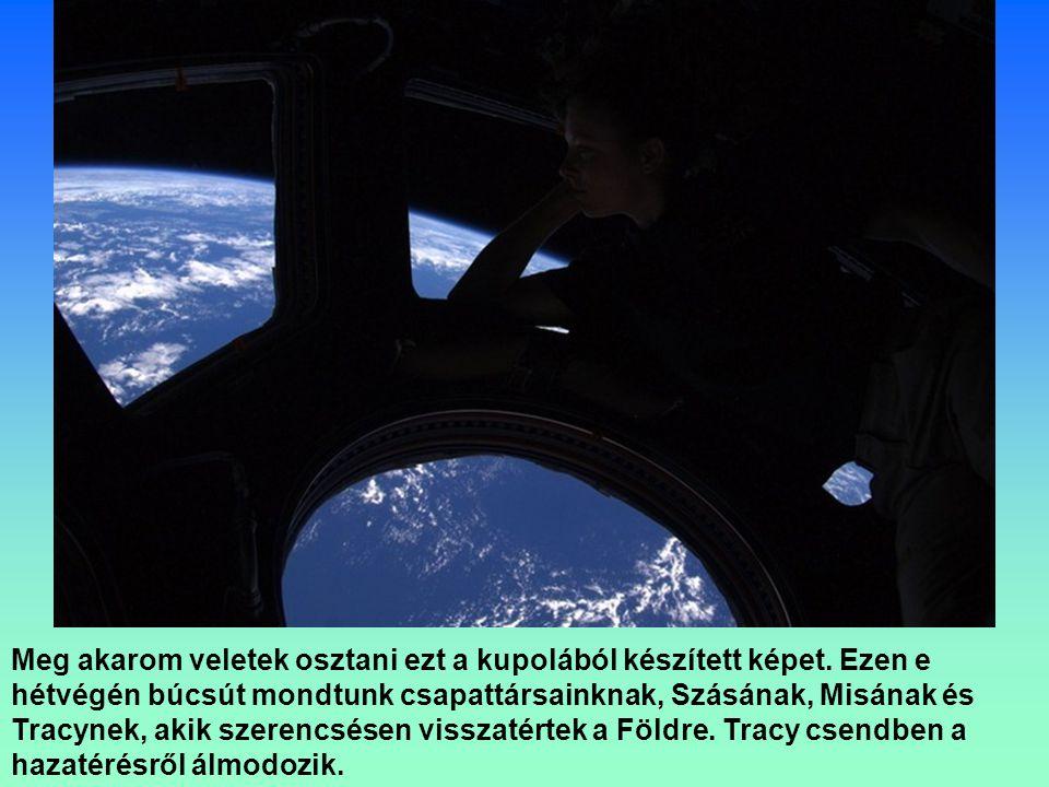A személyzet nélküli Progressz 39P közelít az űrállomáshoz, hogy tankoljon.