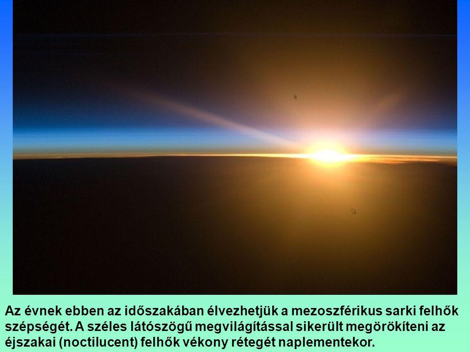 Tiszta csillagos éj a Földközi tenger keleti része felett.