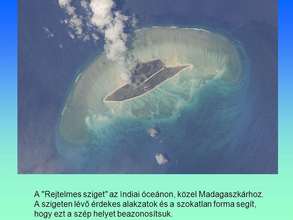 A Rejtelmes sziget az Indiai óceánon, közel Madagaszkárhoz.