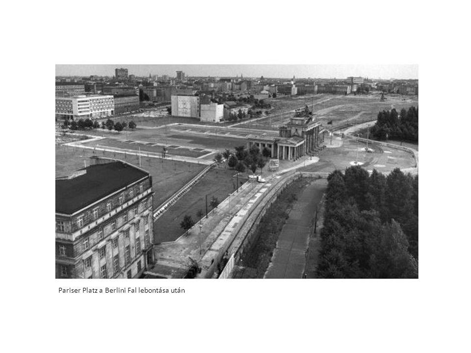 Pariser Platz a Berlini Fal lebontása után