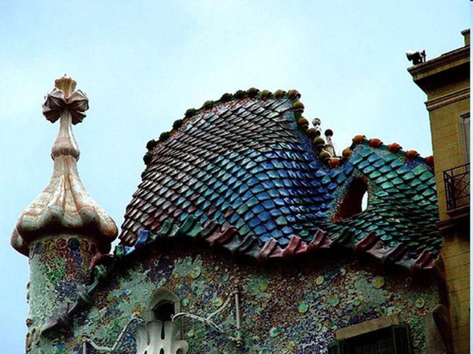 A híres katalán építész Antonio Gaudí tervezte A Casa Batló-t is.