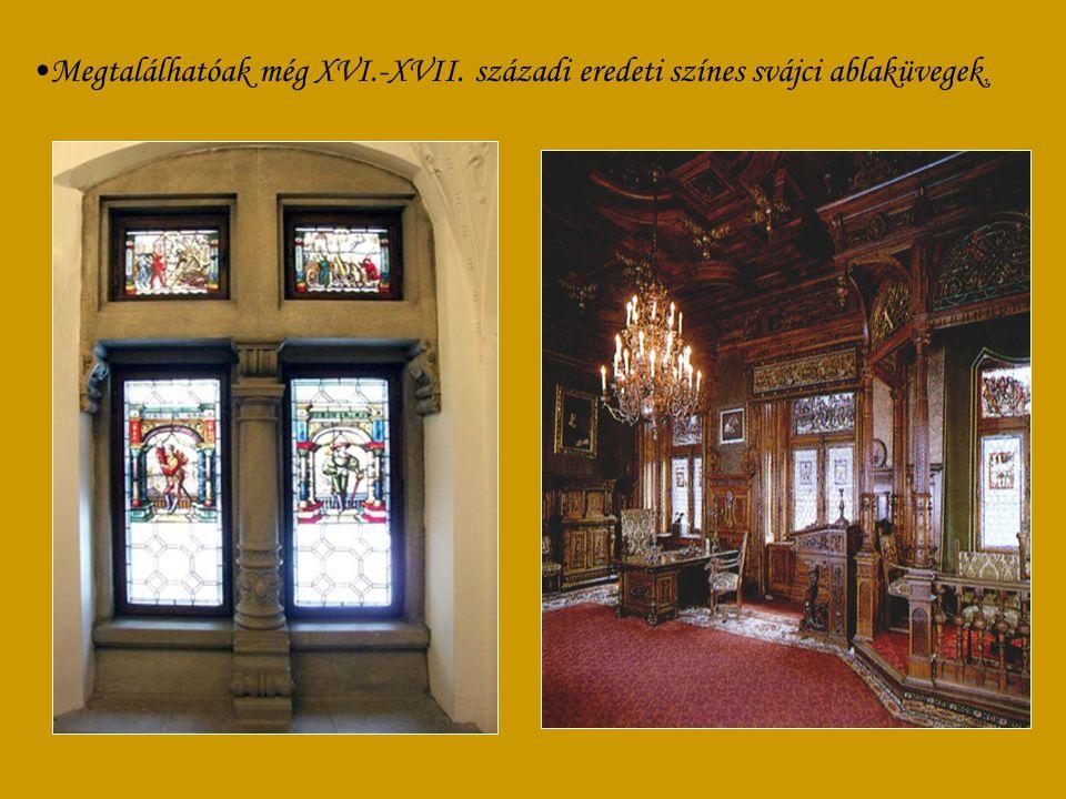 A kastélyban meisseni és sévresi porcelánok találhatók.