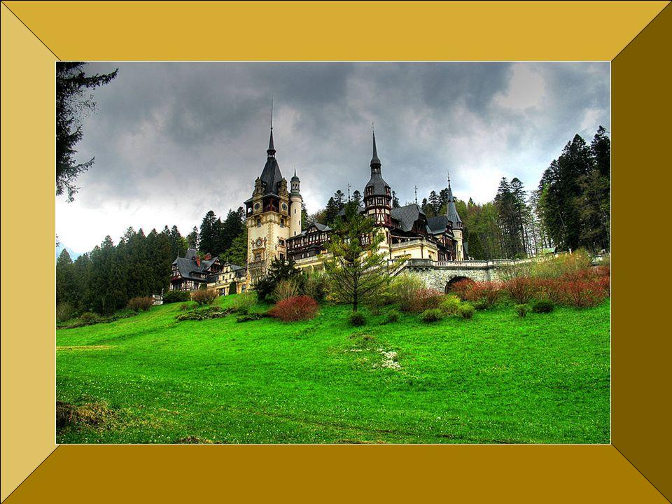 1900-as években a kastély újabb emeletet kapott, és a főtorony magasságát is megemelték.Befejezett állapotában területe 3200 nm,-160 szobával-.