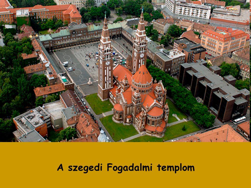 A templom építését az újabb árvizektől való megmenekülésért, fogadalomból, 1880-ban határozták el a városatyák. Az építkezés 1913-ban kezdődött, de az