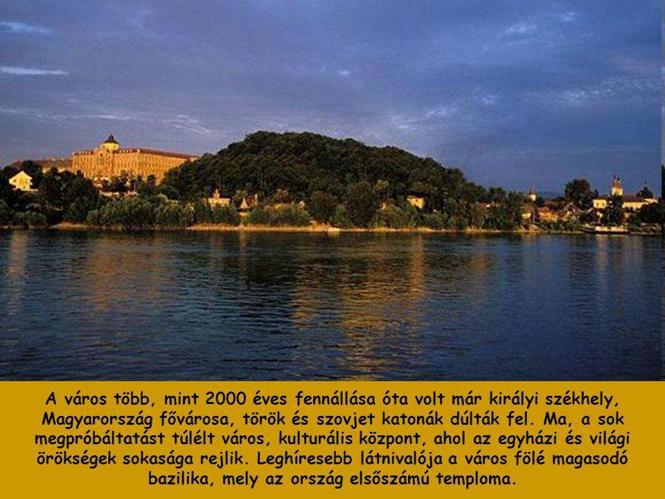 A város több, mint 2000 éves fennállása óta volt már királyi székhely, Magyarország fővárosa, török és szovjet katonák dúlták fel.