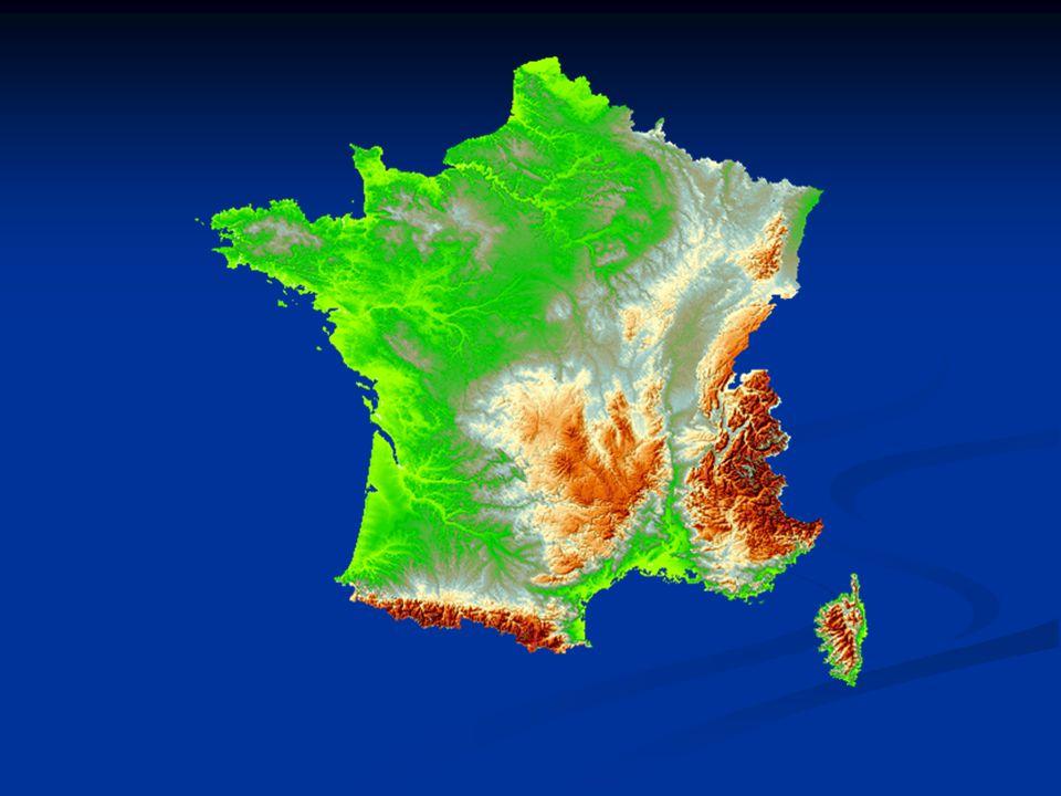 Ipar Bányászat Bányászat feketeszén: Massif Central peremén (egyre kevesebb bánya üzemel) feketeszén: Massif Central peremén (egyre kevesebb bánya üzemel) vasérc: Lotharingia (kis vastartalmú, ezért bányászata erősen csökkent) vasérc: Lotharingia (kis vastartalmú, ezért bányászata erősen csökkent) uránérc: Massif Central (Európai szinten a legtöbbet itt termelnek ki) uránérc: Massif Central (Európai szinten a legtöbbet itt termelnek ki) kőolaj, földgáz: Afrikából és a Közel-Keletről importálják kőolaj, földgáz: Afrikából és a Közel-Keletről importálják