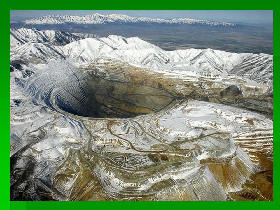 Bingham bánya Utah állam  Valószínüleg a legnagyobb ember által végzett földkitermelés.
