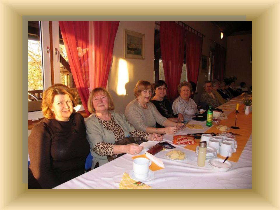 Meghívást kaptunk az oroszlányi Hölgy Klubtól nőnap alkalmából 2011. március 07-re.