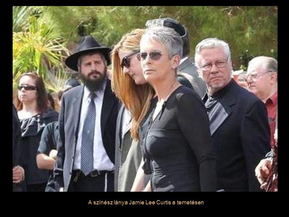 A színész lánya Jamie Lee Curtis a temetésen