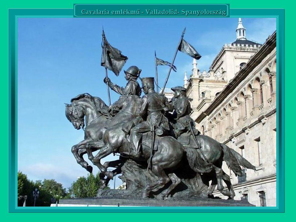 Hősök tere, Budapest-Hungária