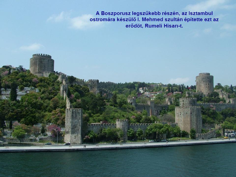 Az ázsiai oldal látványossága a Küçüksu Palota, melyet I. Abdul-Medzsid szultán parancsára építettek a XIX. szd. közepén.