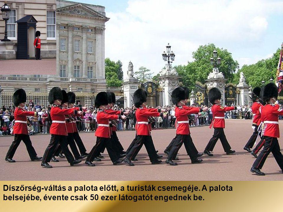 London – A Buckingham-palota, a brit uralkodó hivatalos rezidenciája, lakhelye.
