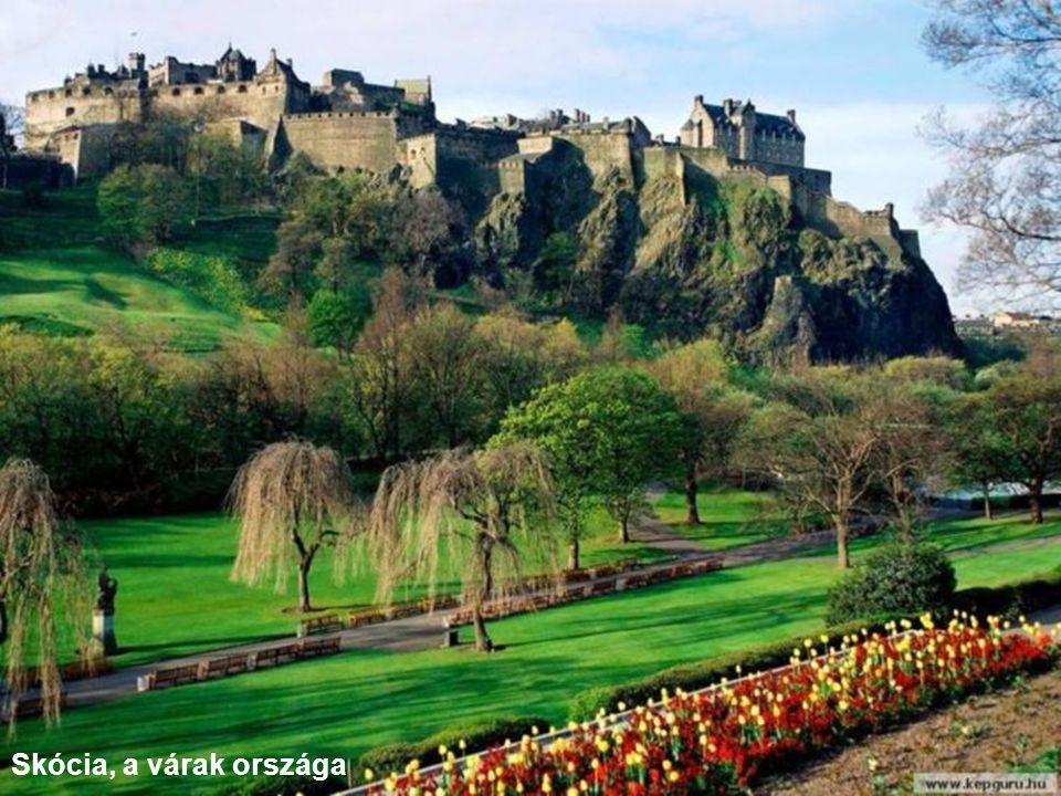 Hegyi falu Skóciában