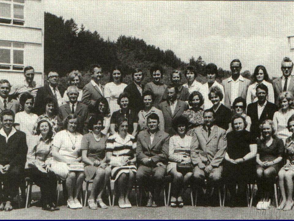 AZ 1975-ös TANTESTÜLET