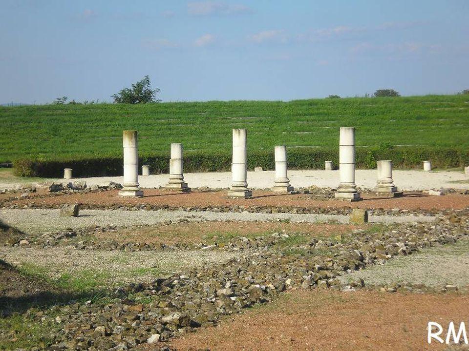 A legjelentősebb falu neve a XI.századtól Föveny volt.