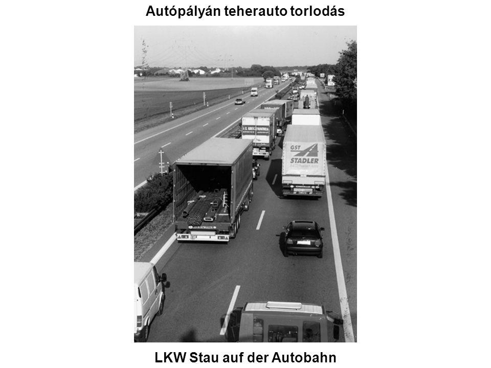Autópályán teherauto torlodás LKW Stau auf der Autobahn