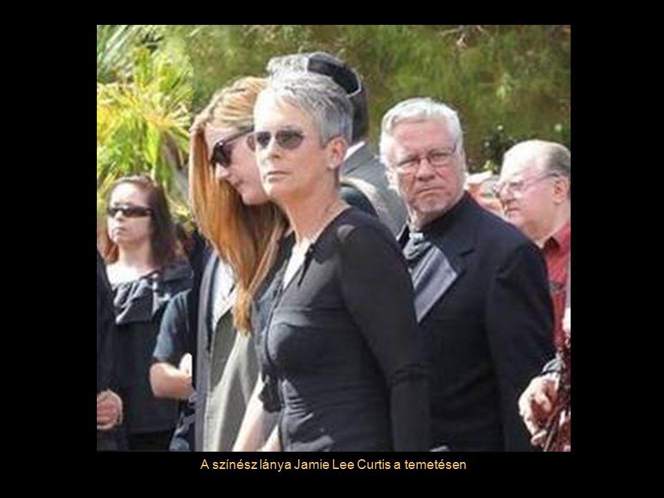 Az özvegy, Jill Vandenberg Curtis a temetésen
