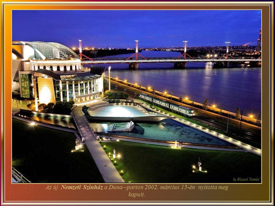 Gróf Széchenyi István volt az első, aki elképzelte a Nemzeti Színházat a Duna-partján, majd 1836- ban elrendelte egy nagy magyar színház építését.