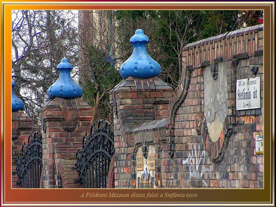 A Földtani Múzeum - Az épület eredetileg otthona volt az 1869-ben alakult a Magyar Földtani Társulatnak és jelenleg otthona a Magyar Állami Földtani I