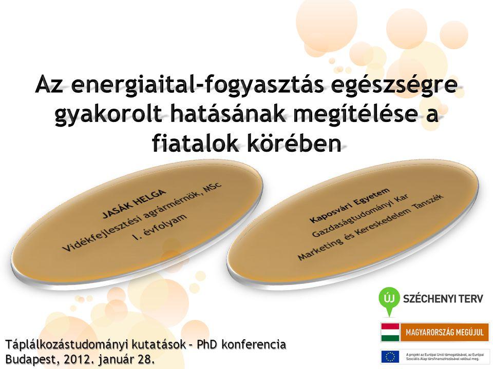 Az energiaitalok veszélyei a koffein túladagolásból, az alkohollal való együttfogyasztásból, valamint a nem megfelelő vízpótlásból adódhatnak (TÓTH, 2010).