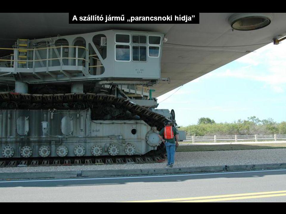 """A szállító jármű """"parancsnoki hídja"""""""