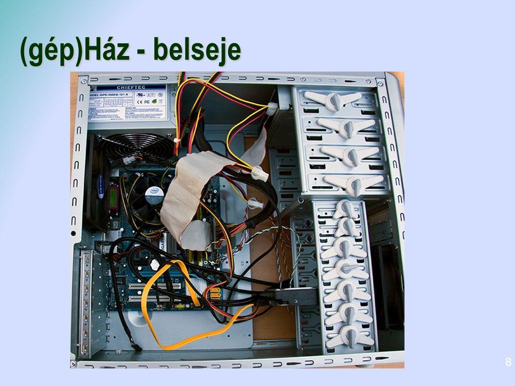 Be meneti eszközök Bemeneti perifériák Billentyűzet Egér Szkenner Digitális kamera Mikrofon 9