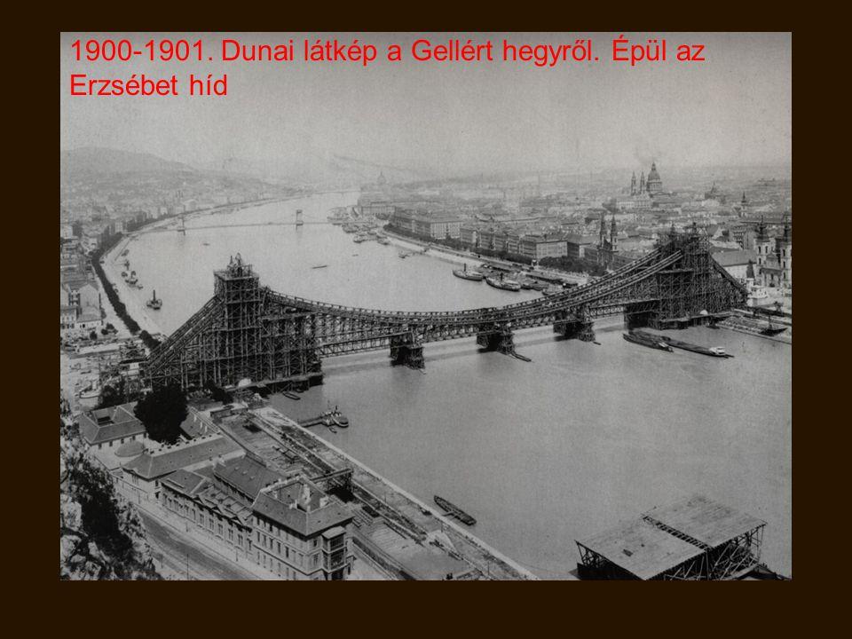 1900. Nyugati Pályaudvar előtt