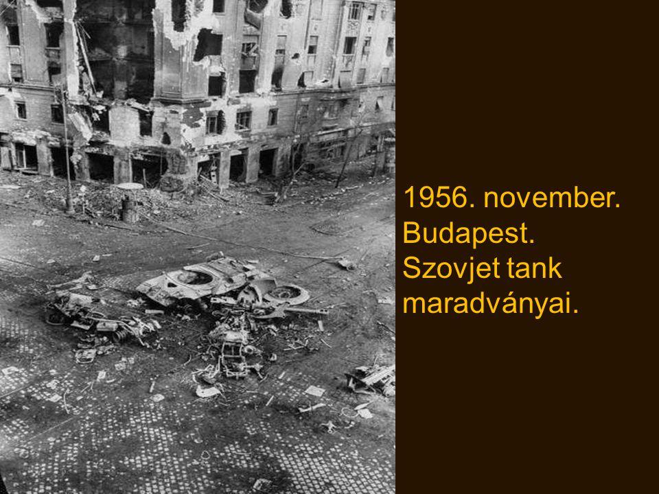 1956. A 49-es villamost összetörte egy szovjet tank