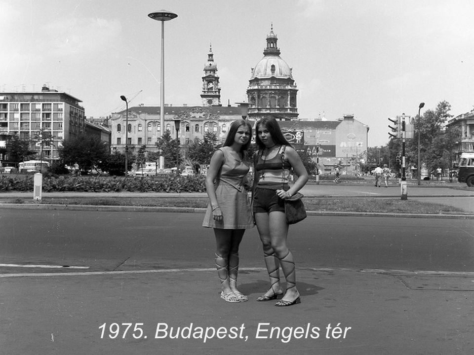 1972. Ikarus busz reklámfotója a Tabánban.