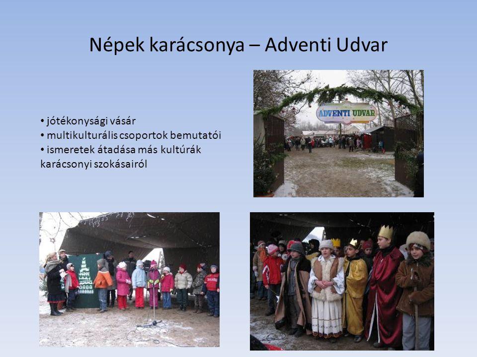 Népek karácsonya – Adventi Udvar jótékonysági vásár multikulturális csoportok bemutatói ismeretek átadása más kultúrák karácsonyi szokásairól