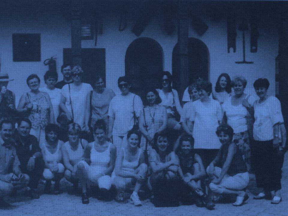 ISKOLÁNK 1973-TÓL A JELENLEGI FELÚJÍTOTT ÉPÜLETÉBEN TALÁLHATÓ Csehszlovák hadsereg utca 15 CÍMÜNK: Szepsi Magyar Tannyelvű Alapiskola és Gimnázium ČSA 15 045 01 MOLDAVA n/B.