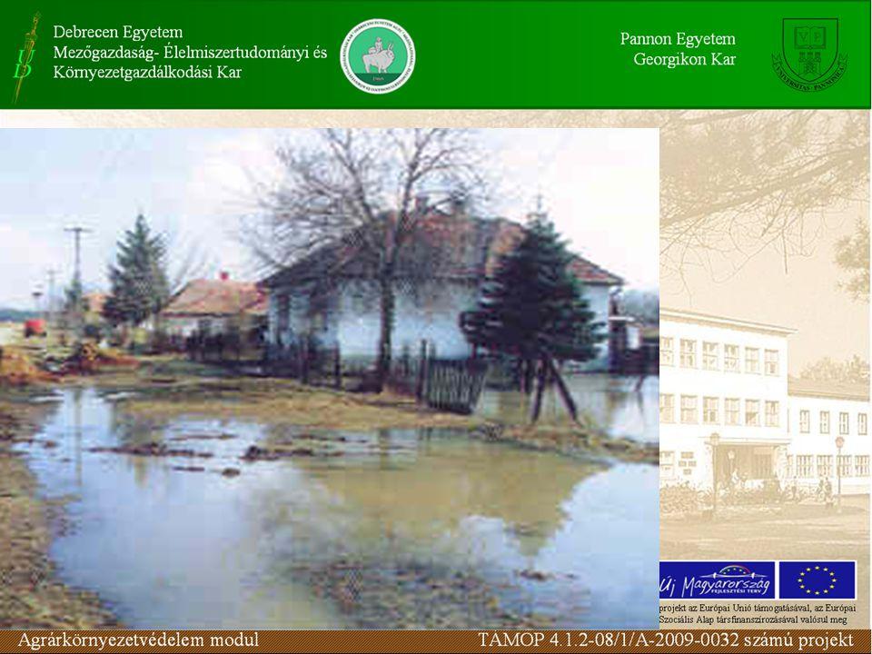 Nagy kiterjedésű (F > 80 km 2 ) vízgyűjtőterület : az összegyülekezési, vagy lefolyási idő hosszú volta miatt, a tartós esőzések és olvadások a mértékadók.