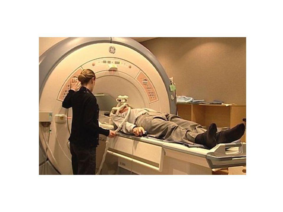 """MRI Stabil mágneses mezőben Rádiófrekvenciás """"lökésekkel"""" lehet hatni a hidrogén atomokra Hidrogén atomokból víz jelenlétére lehet következtetni T1 il"""