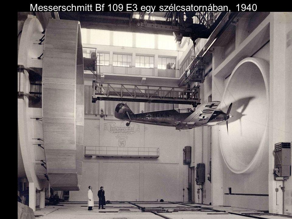 Henry Ford a Német Sas Nagykeresztje kitüntetést kapja náci tisztektől, 1938