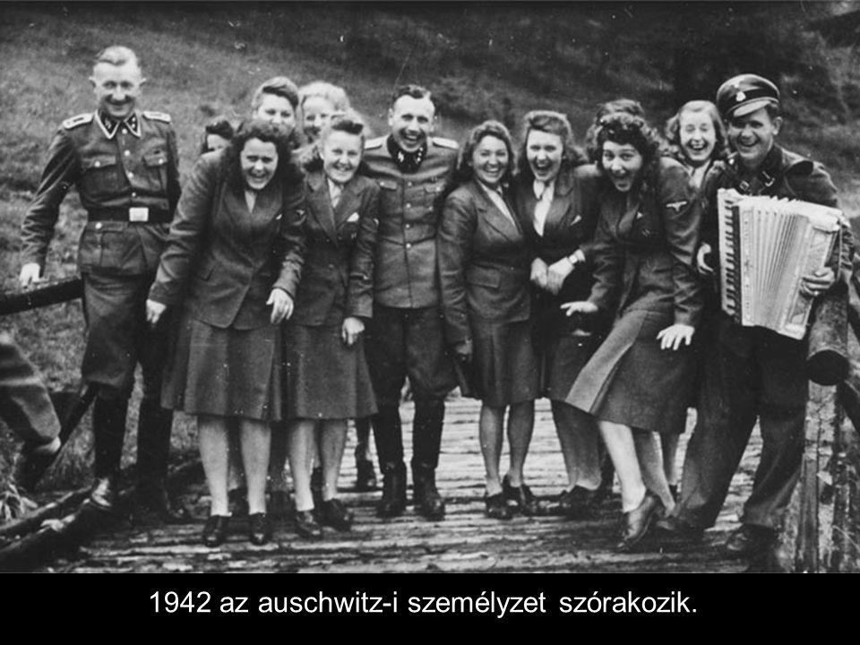 1944, a megkímélt Kölni dóm.