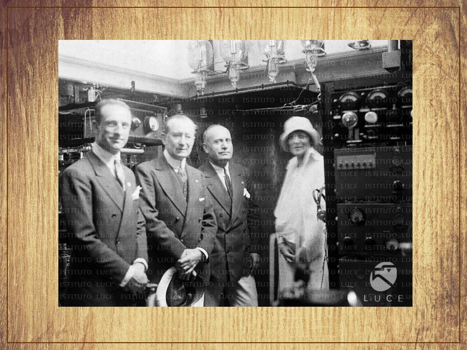 Munkássága drótnélküli távíró kidolgozása 1895-ben 1 mérföld(1.609km) 1896-ban 9 mérföld(14.481km) 1898-ban Anglia és Franciaország között 74 mérföld(119.066km) 1902-ben Anglia és Új-Zéland közti távolság