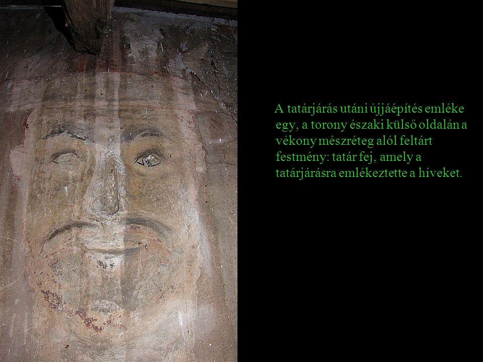 A templom román kori emléke a torony homlokzatába befalazott, de belül jól kivehető két félköríves ablak
