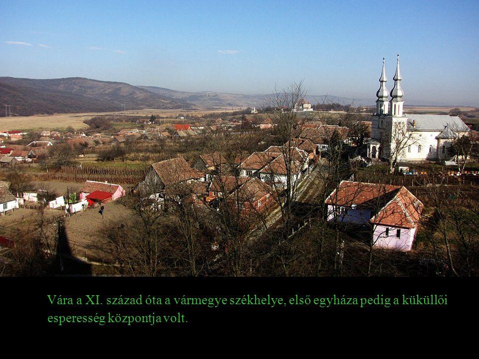 Küküllővár Árpád-kori település. Nevét 1177-ben említette először oklevél Cuculiensis castri néven.