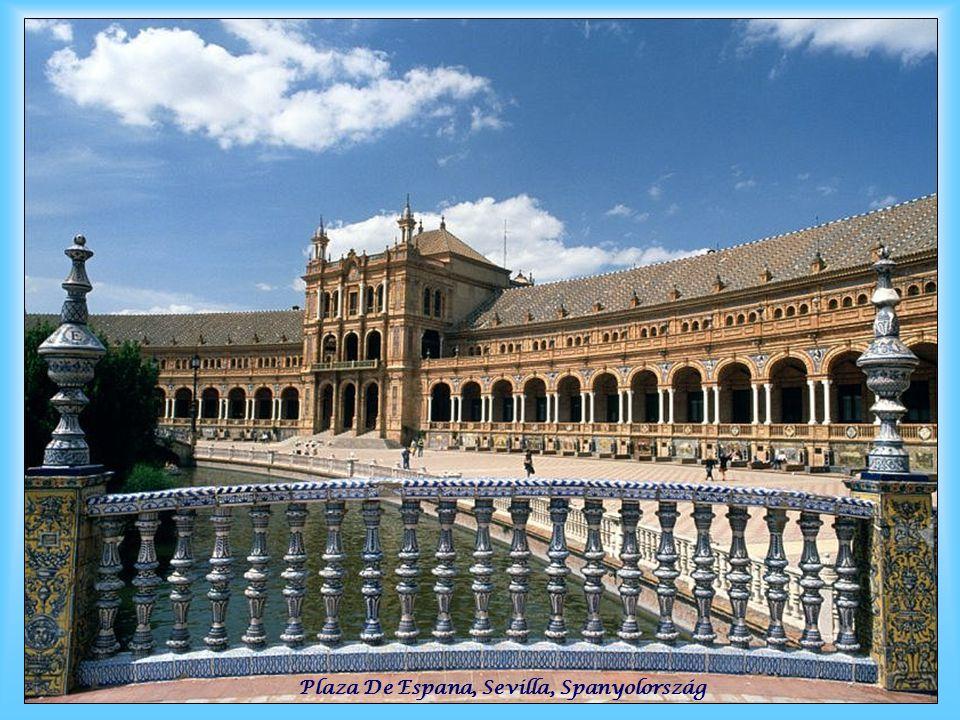Plaza De Espana, Sevilla, Spanyolország