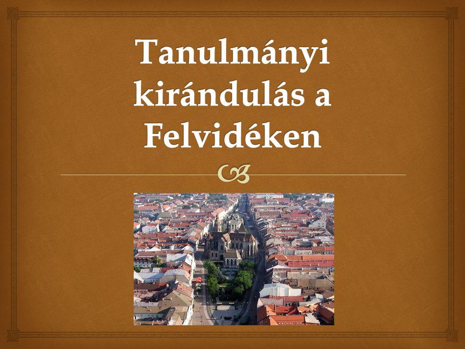 Tanulmányi kirándulás a Felvidéken A harmadik nap délelőttjén Kakaslomnicon és Késmárkon gót és reneszánsz emlékeket, valamint a Thököly mauzóleumot és a Thökölyek várát tekintik meg.